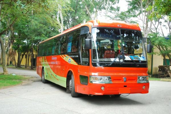 Cho thue xe du lich 4-16-29-30-34-45-50 cho tai Tien Du KCN Tien Son KCN Yen Phong KCN Que Vo Tu Son Bac Ninh
