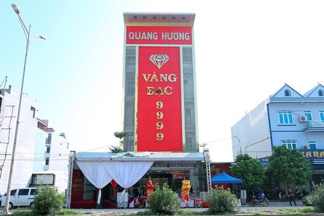 Le khai truong Trung tam vang bac da quy Quang Huong